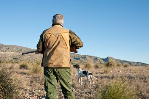 hombre cazando