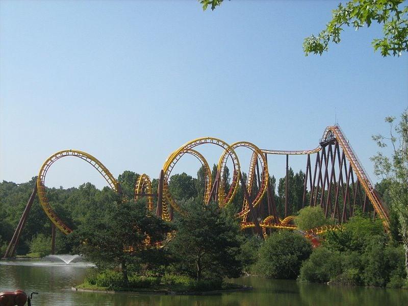 Los mejores parques de atracciones del mundo. Parque Asterix. Atracciones
