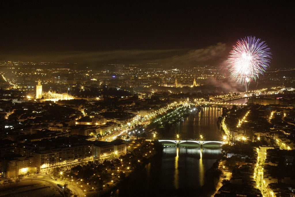 Feria de Abril Sevilla. Fuegos artificiales