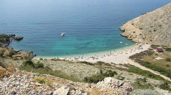 Playa de Stara Baska. Isla de Krk, Croacia