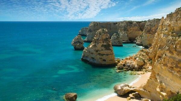 Praia Da Marinha. Algarve, Portugal