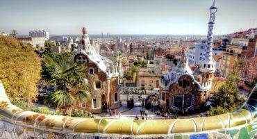 Barcelona, la ciudad turística preferida para buscar información en Internet