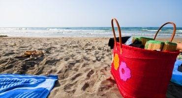 ¿Qué llevar para pasar un día en la playa?