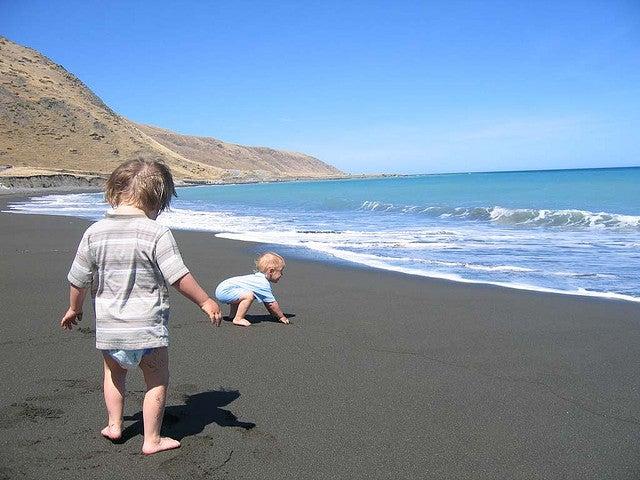 caminando por la arena