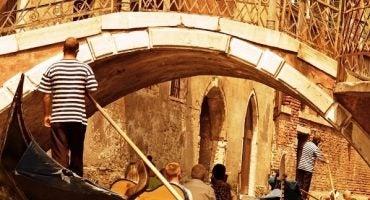 Coge la cámara de fotos, Venecia te invita a su histórica regata de góndolas…