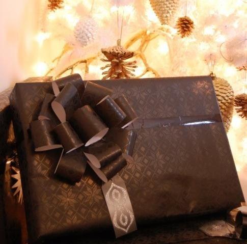 envolver regalo de navidad