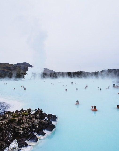 Las 20 piscinas naturales más originales del mundo. Blue Lagoon Islandia