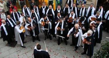 Los cortejos y las rondas te esperan en la Noche de las Pepitas de El Ferrol
