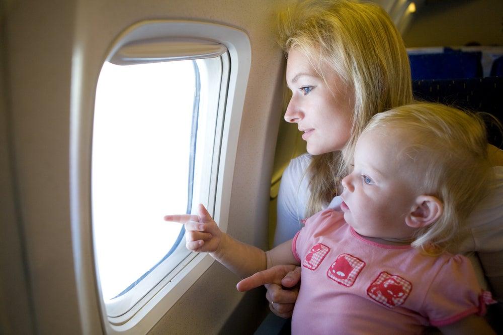 volar con bebes portada