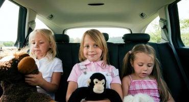 ¿Cómo entretener a los niños cuando van de viaje en coche durante horas?