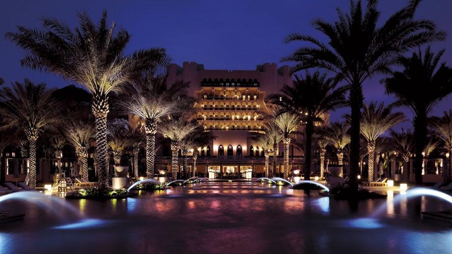Piscinas Infinitas. Al Bustan Palace  Muscat, Oman