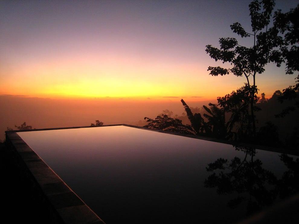 Piscinas Infinitas. Munduk Moding Plantation. Bali (Indonesia)