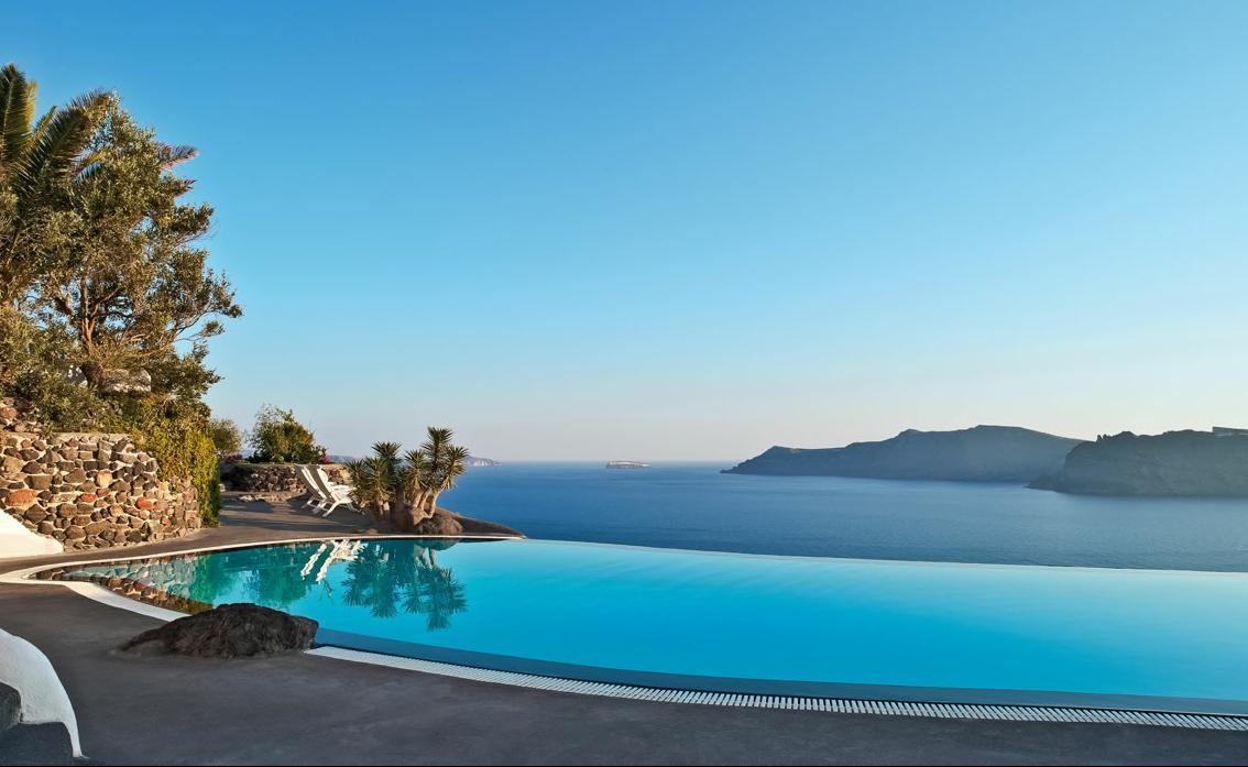 Piscinas Infinitas. Santorini, Grecia