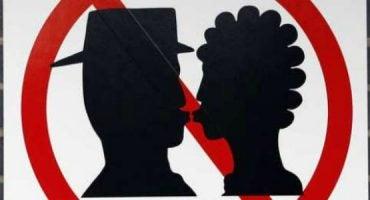 ¡Cuidado! 5 ciudades en las que está prohibido besarse en público