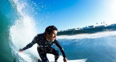 ¿Te vienes a hacer surf con los mejores surferos españoles?