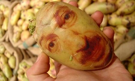 patata con cara pintada
