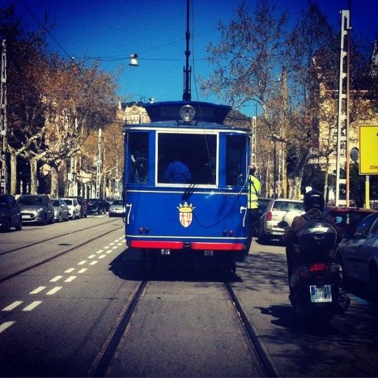 30 actividades que hacer si visitas Barcelona. Tanvia azul