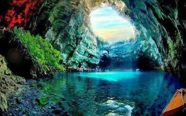 Melissani cave 1