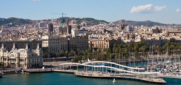 barcelona skyline vistas maremagnum