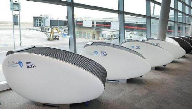 Lo último: dormir la siesta en una habitación cápsula en el aeropuerto
