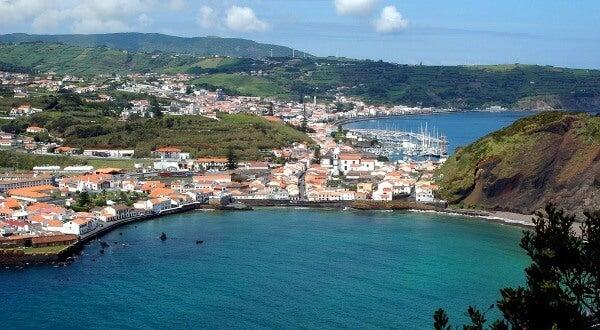 Bahía de Horta, en la isla de Faial, Azores, Portugal