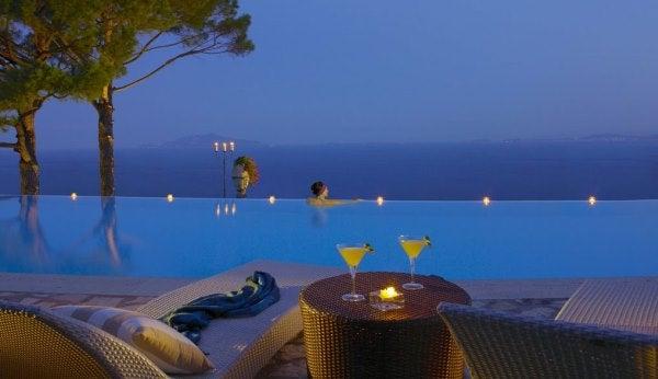 Piscinas Infinitas. Hotel Caesar Augusta, Capri Italia