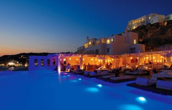 Piscinas Infinitas. Hotel Cavotagoo. Mikonos, Grecia