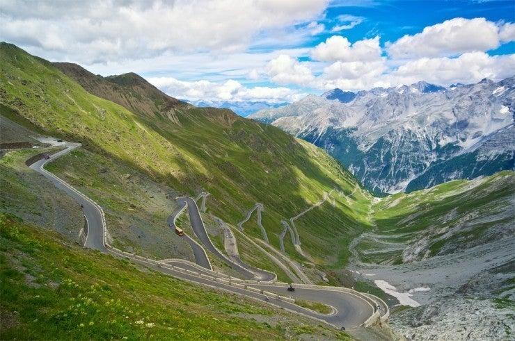 15 carreteras panorámicas para un road trip. carretera Stelvio en italia