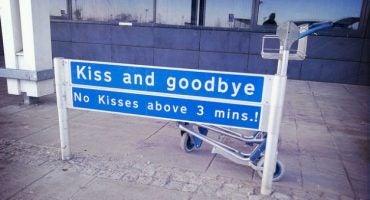Los besos de despedida en el aeropuerto, solo de 3 minutos…