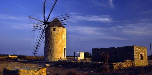molinos de formentera - blog de viajes edreams