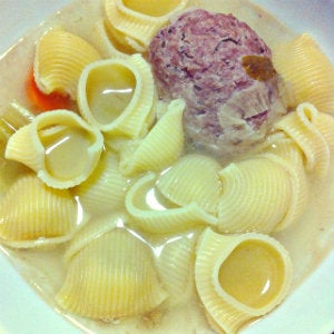 sopa de galets con pelota de carne