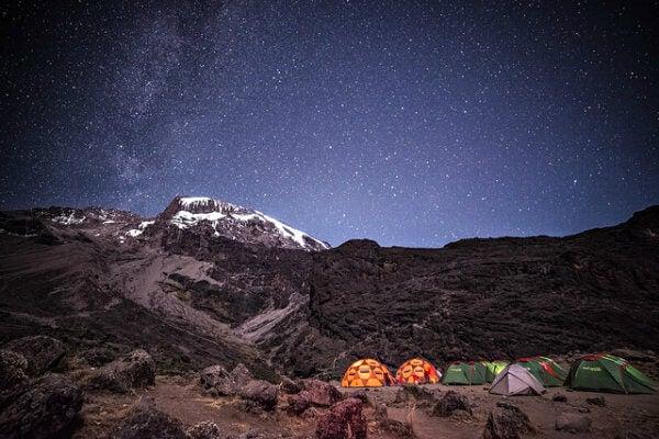 kilimanjaro de noche