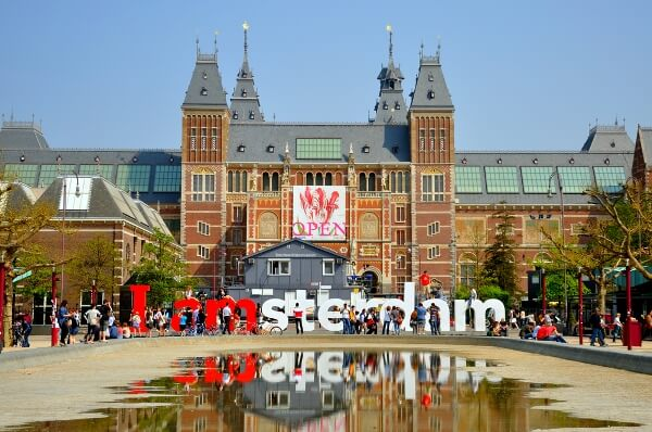 7 viajes imprescindibles si tienes entre 30 y 40 años. Amsterdam