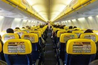 Interior de avión Ryanair