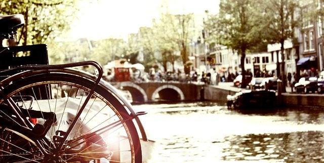 14 lugares perfectos para besar a tu pareja en San Valentín: Canales Amsterdam