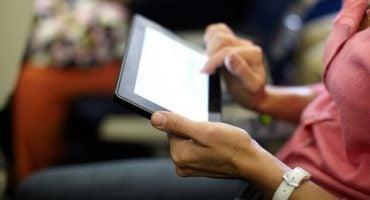 Iberia y Vueling permiten usar dispositivos electrónicos durante todo el vuelo