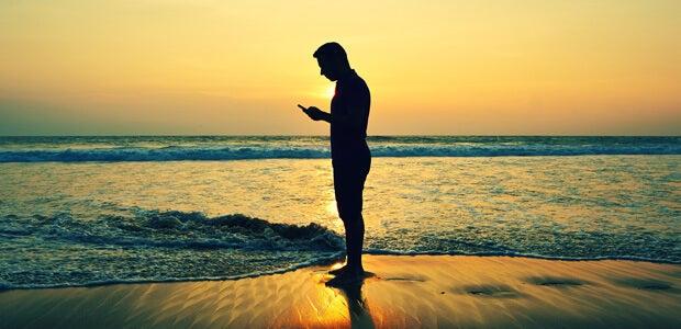 ¿Cómo usas el móvil en vacaciones? Descúbrelo en nuestro nuevo estudio