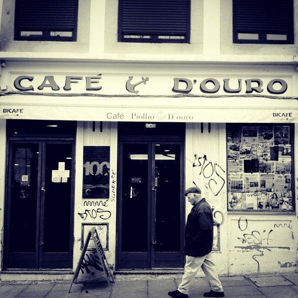 25 cosas que hacer en Oporto. cafe piolho oporto