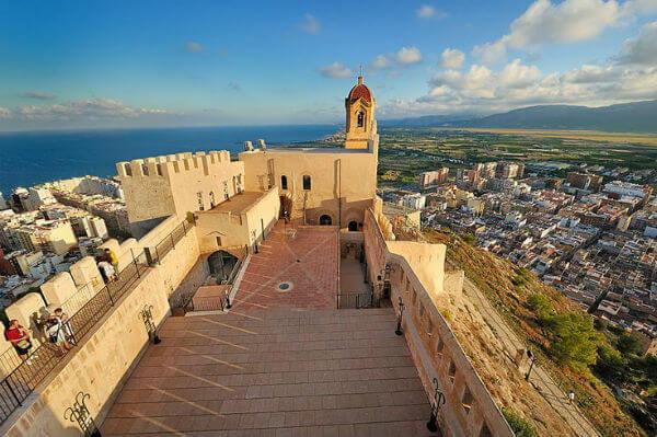 castillo de cullera valencia. 9 lugares que visitar en Valencia