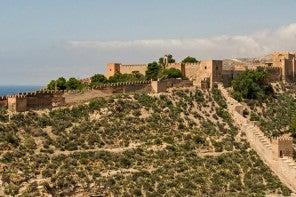 alcazaba-of-almeria-1050x500