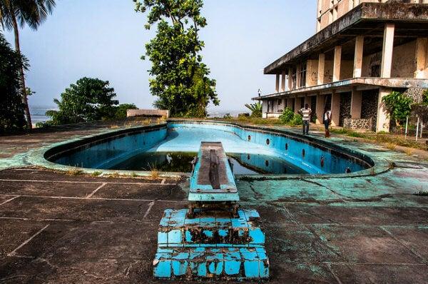 hotel abandonado liberia
