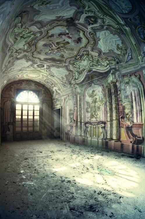 Hauntingly Beautiful Photos Of Abandoned Places Part 3