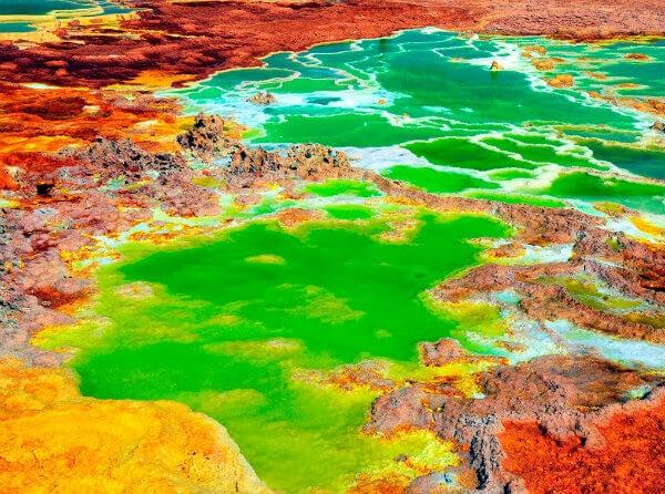 colores verdes y amarillos de dallol etiopia