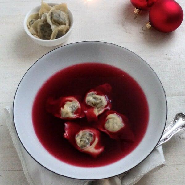 Recetas de Navidad de Polonia: Barszcz con pierogi