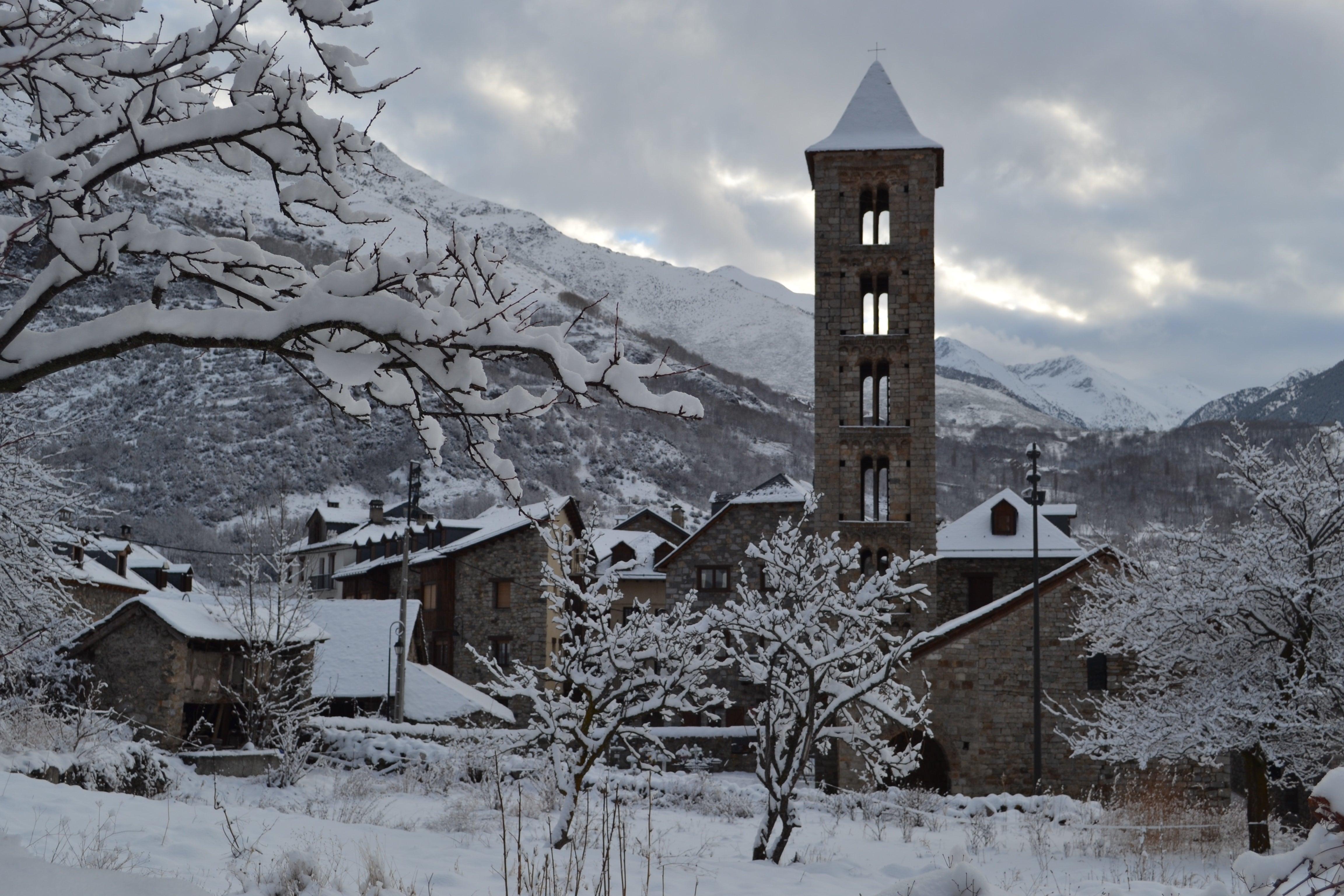 Aternativas originales al esquí - Pirineos de Cataluña. Cultura y Gastronomía