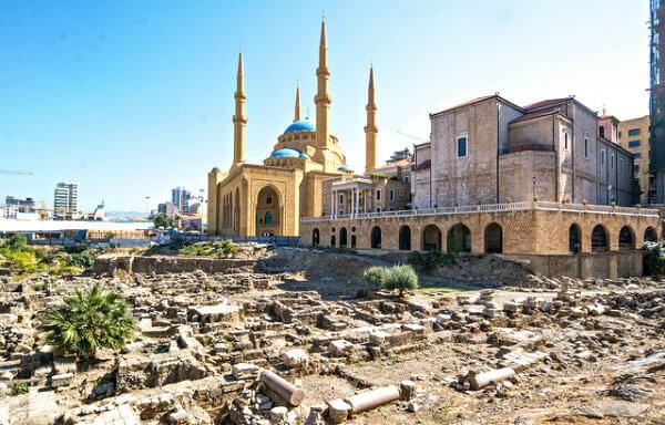 Ruínas e mesquita em Beirut