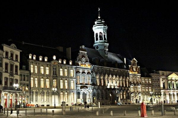 Grand place de mons, belgica