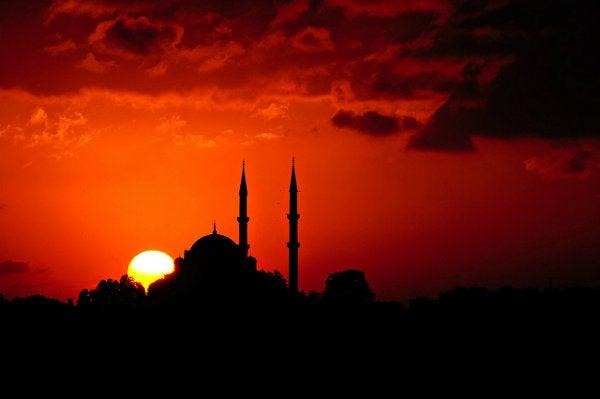 mezquita de turquía al atardecer