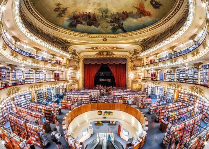 Antiguo teatro reconvertido en librería conocido como El Ateneo en Buenos Aires