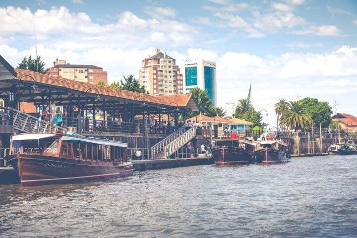 Localidad de El Tigre, cercana a Buenos Aires donde navegar por el delta del Paraná